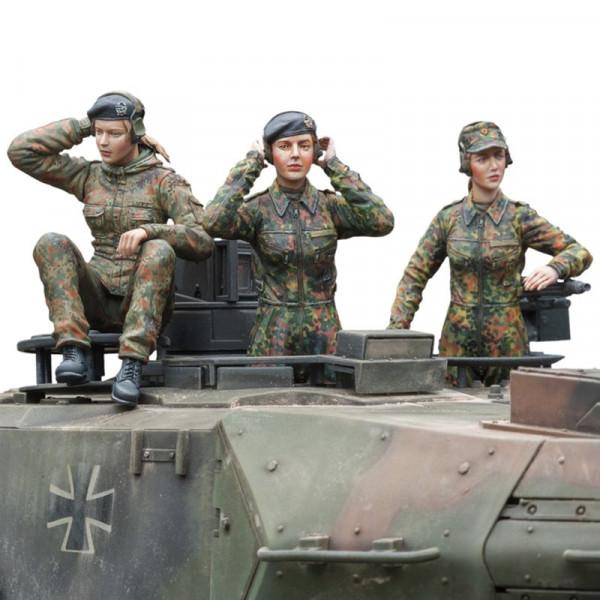 1/16 Figurenbausatz Bundeswehr Panzerbesatzung weiblich